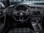 фото Volkswagen Golf GTE №17