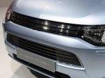 фото Mitsubishi Outlander PHEV №16