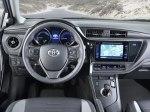 фото Toyota Auris Touring Sports Hybrid №13
