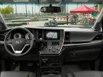 фото Toyota Sienna №12