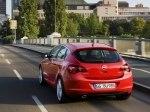 фото Opel Astra J Hatchback №18