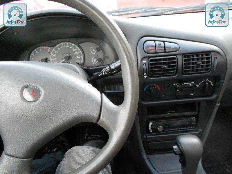 Mitsubishi lancer 1993 фото 8