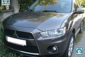 Mitsubishi Outlander XL Ultimate 2011 №684787