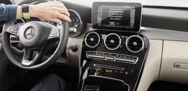 Часы Apple подружили с навигаторами «Мерседесов»