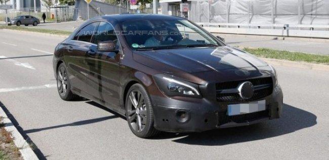 Обновленный Mercedes-Benz CLA засняли без камуфляжа
