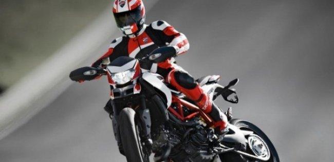 CARB: новый модельный ряд Ducati Hypermotard 939 2016