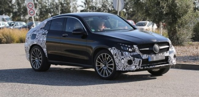 Mercedes-Benz тестирует мощный кроссовер GLC 450 Coupe