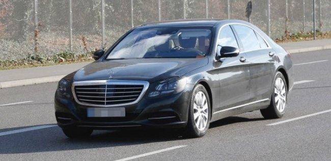 Обновленный Mercedes S-Class впервые замечен на тестах