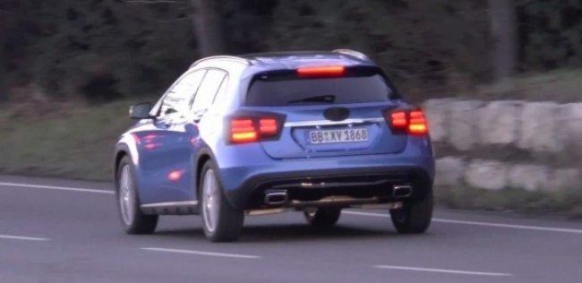 Mercedes-Benz приступил к тестам обновленного GLA