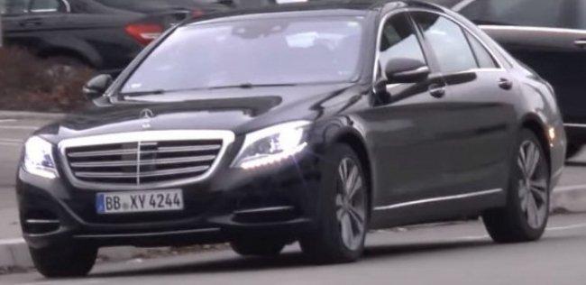 Mercedes-Benz показал обновленный S-Class без маскировки