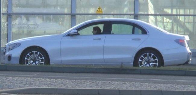 Новый Mercedes-Benz E-Сlass открывает личико