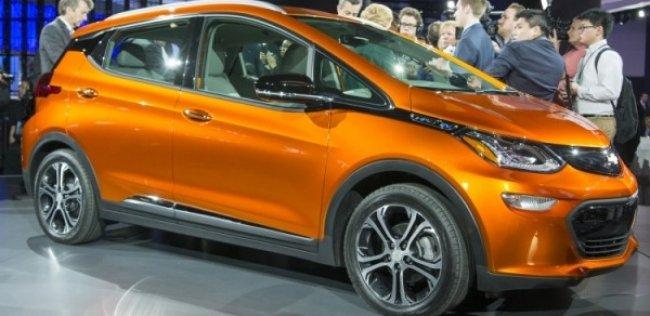 Chevrolet показал бюджетный электрокар Bolt