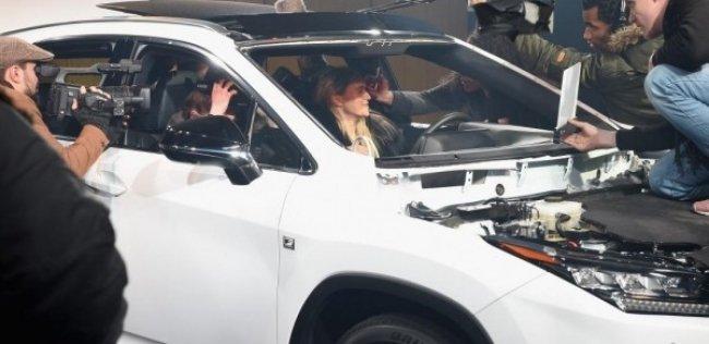 Джуд Лоу принял участие в потрясающем интерактивном шоу «Жизнь в стиле RX»