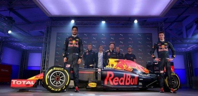 Red Bull ������ ������� ����� ��������� ������ �������-1
