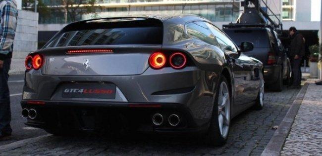 Ferrari GTC4Lusso � ������ ����� ���� ������ ��������� ������� ��� ��������