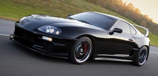 � ����� ������: Lambo Aventador �������� �� ������ ������� Toyota Supra