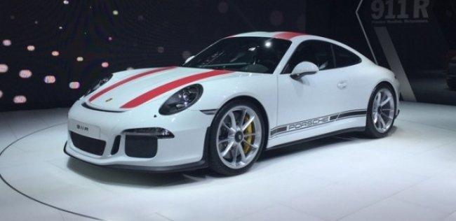 Porsche представил спорткар 911 R