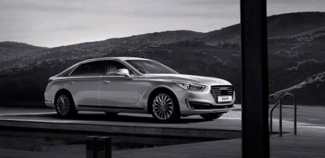 Hyundai представила Genesis EQ900 Limousine в Корее