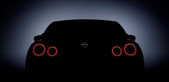 Nissan ������� GT-R � ���-��������� ��������