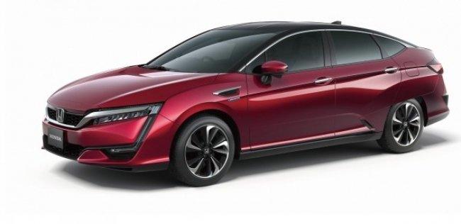 Honda Clarity станет гибридом и электромобилем