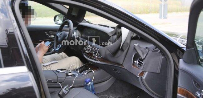 Опубликованы первые фотографии салона обновленного Mercedes-Benz S-Class