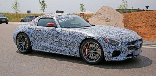 Опубликованы первые фотографии родстера Mercedes-AMG GT