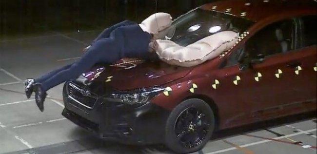 Новую «Импрезу» оснастят подушкой безопасности пешехода
