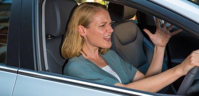 Водители-женщины оказались злее водителей-мужчин