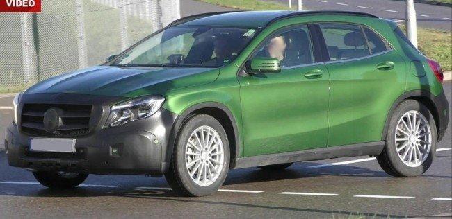 Фейслифтинговый Mercedes-Benz GLA засветился на дорогах Германии