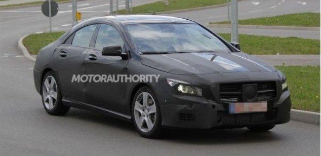 Mercedes-Benz выбрал многодверному купе CLA-класса новый фасон камуфляжа