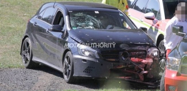Заряженный Mercedes-Benz A-Class попал в аварию на Нюрбургринге