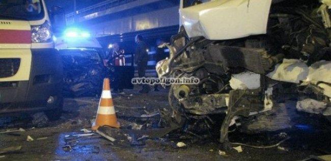 ДТП на мосту Кирпы: водитель бил трубой гаишников