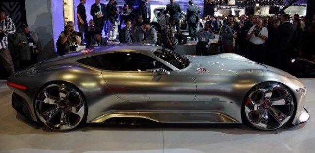 Виртуальная реальность: Mercedes воплотил в металле суперкар для гоночного симулятора