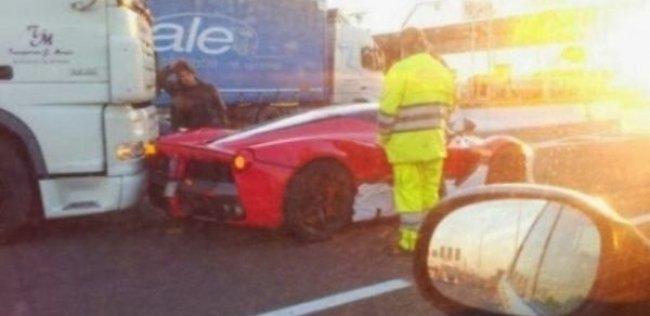 В Италии произошло ДТП с участием самой дорогой Ferrari