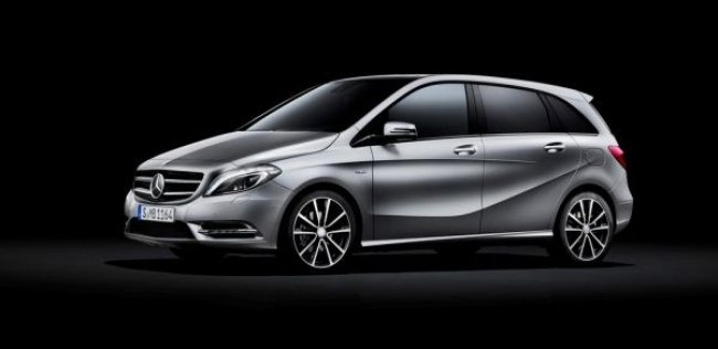 Рестайлинговый Mercedes-Benz B-класса наведается в Париж