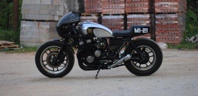 Кафе рейсер Honda CBX750 M1-2