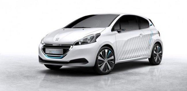Peugeot 208 научился ездить на воздухе