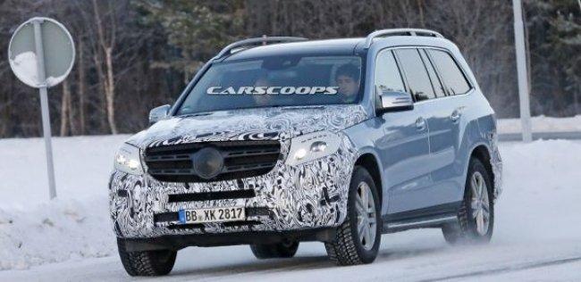 Mercedes-Benz GLS представят в следующем году