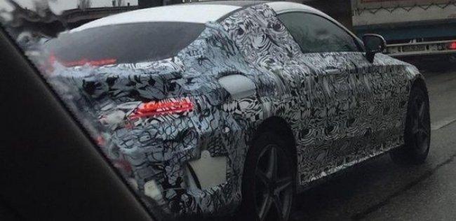 Mercedes-Benz вывел на тесты купе C-Class