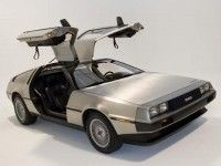 ����� � �������. DeLorean DMC-12 ������������ �� ��������