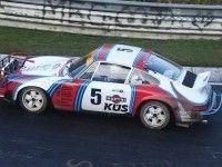 Раллийный Porsche 911 проехал по Нюрбургрингу в противоположном направлении