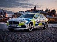 Универсал Volvo V90 превратили в полицейский автомобиль