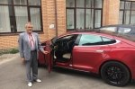 Прославившийся пчеловод на Tesla рассказал о своем авто