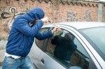 Варварский способ взлома автомобиля: после этого машину только на разборку