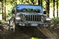 Jeep добавил новому Wrangler дизель