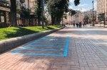 В центре Киева на тротуаре появилась ярко-голубая разметка: что означает