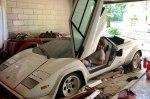 Внук нашел в гараже бабушки эксклюзивный Lamborghini Countach
