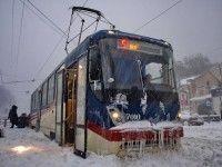 В Киеве вместо заблокированного электротранспорта будут ездить автобусы.