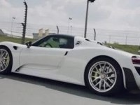 Реклама Porsche 918 Spyder