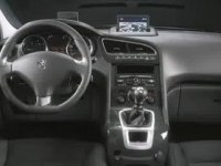 Интеръер Peugeot 5008